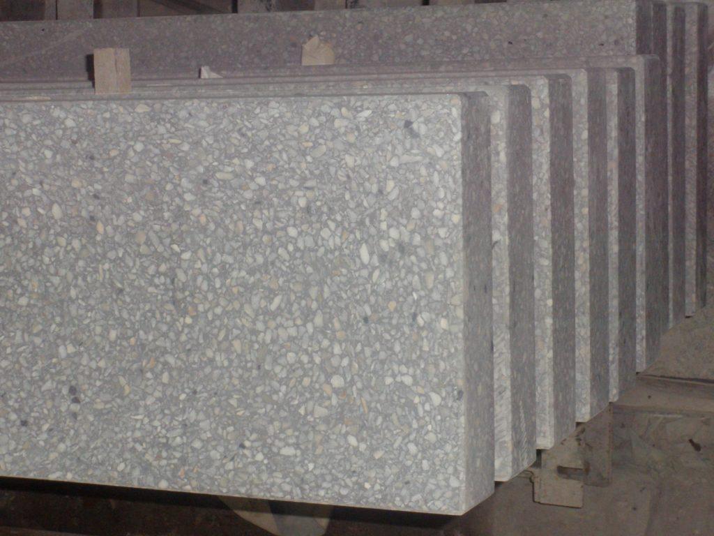 Полки из мозаичного бетона
